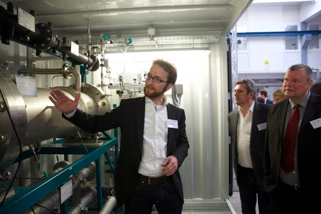 CTO of Hydrogenious Technologies Dr. Berthold Melcher explains details of LOHC systems by Hydrogenious Technologies.